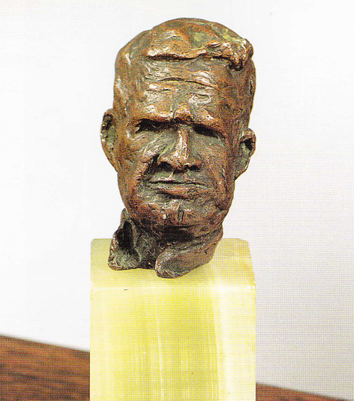 A sculpture of Spencer Tracy made by Katharine Hepburn